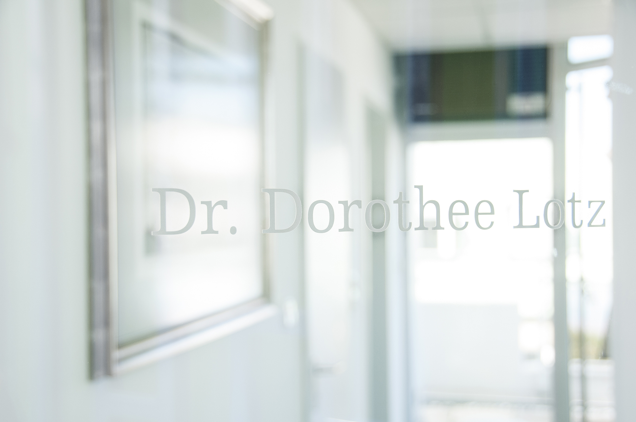 Dr. Dorothee Lotz Eingang